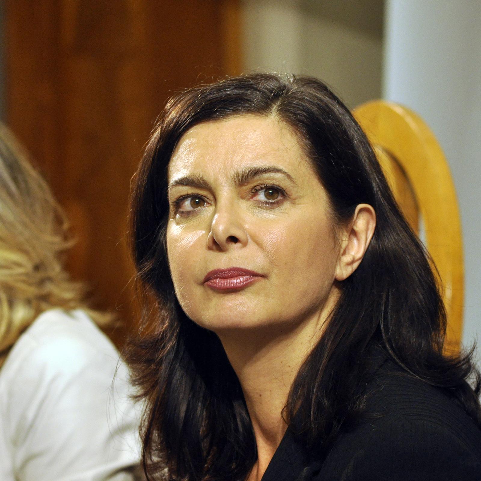 Contro gli attacchi sessisti dei 5 stelle a Boldrini